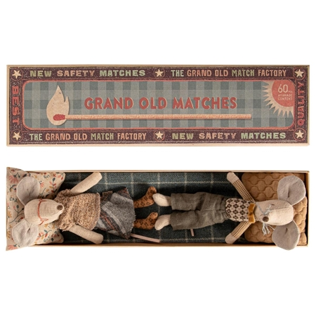 Maileg Grandma & Grandpa in box